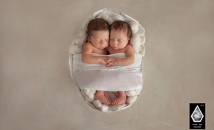 Brisbane multi award winning newborn baby photographer